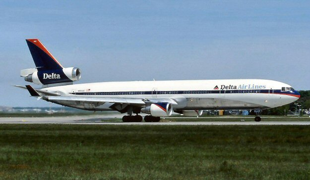 http://www.edcoatescollection.com/ac3/Airline/Delta%20Air%20Lines%20McDonnell%20Douglas%20MD-11.jpg